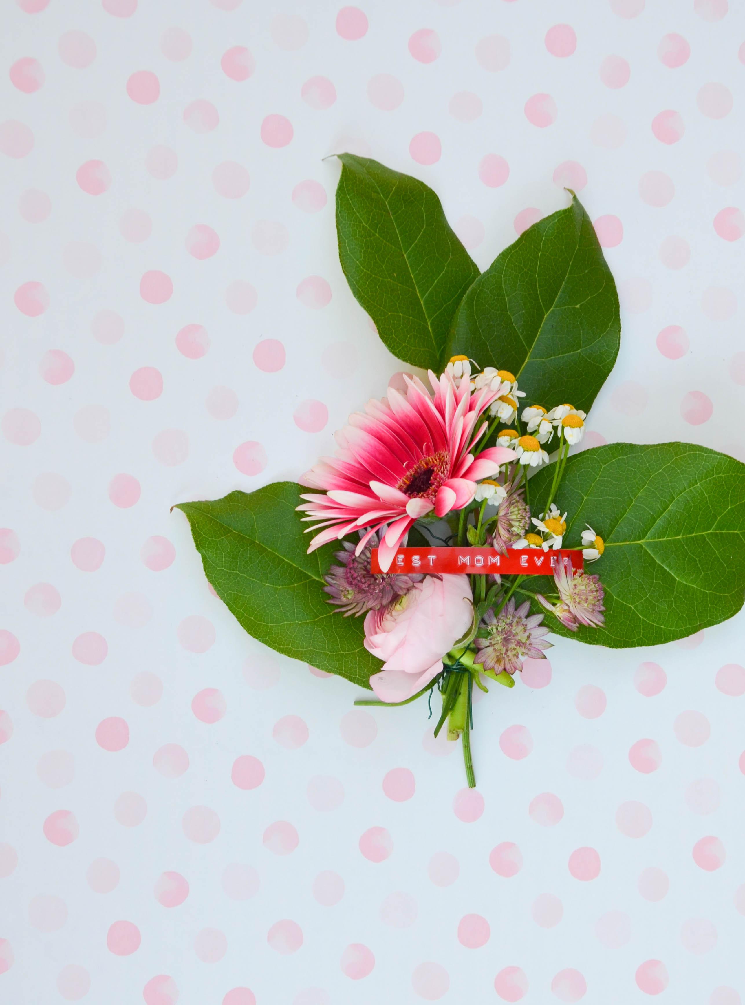 Blumenbrosche, Muttertag