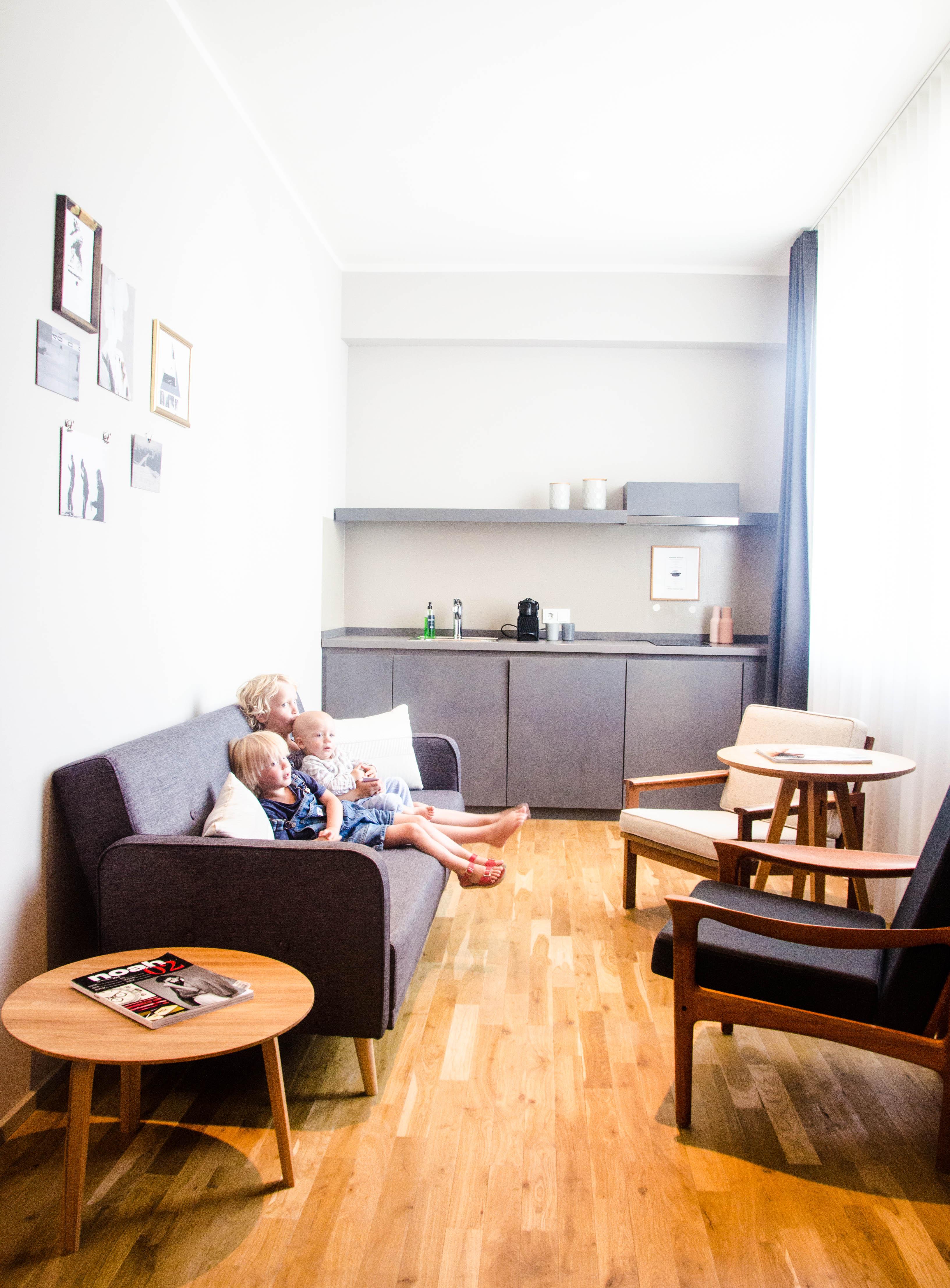 psst hier kommt ein tolles hotel in m nchen wasf rmich. Black Bedroom Furniture Sets. Home Design Ideas
