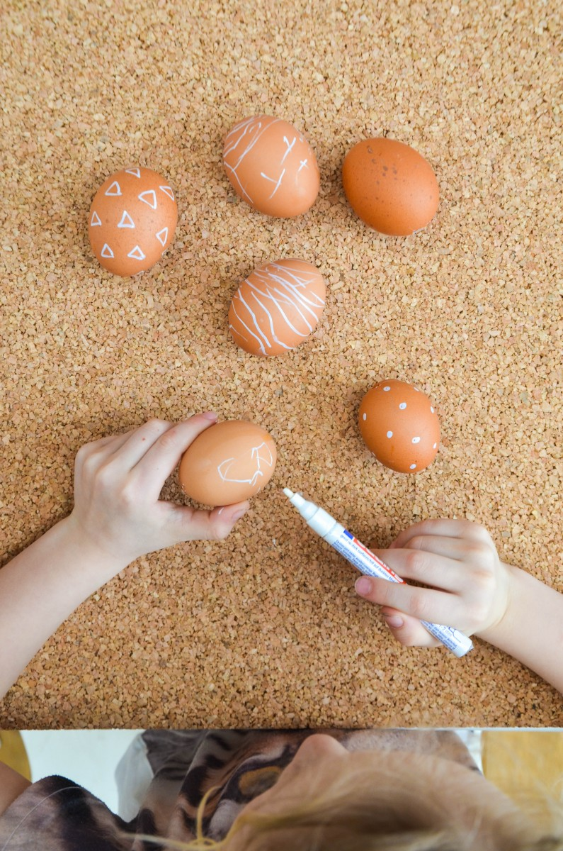 Eier anmalen mit KIndern, Ostereier, Ostern