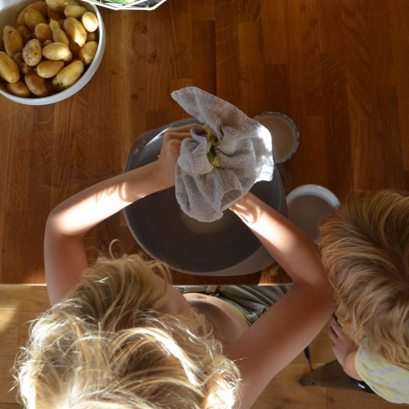 mit Kindern Butter machen, selbst Butter machen,