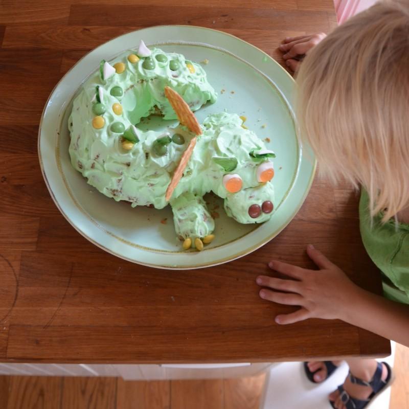 Kindergeburtstag, Drachenparty, Geburtstagskuchen,