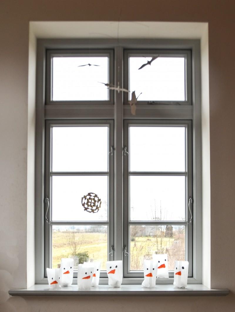 Schneemänner auf der Fensterbank, Schneemann,