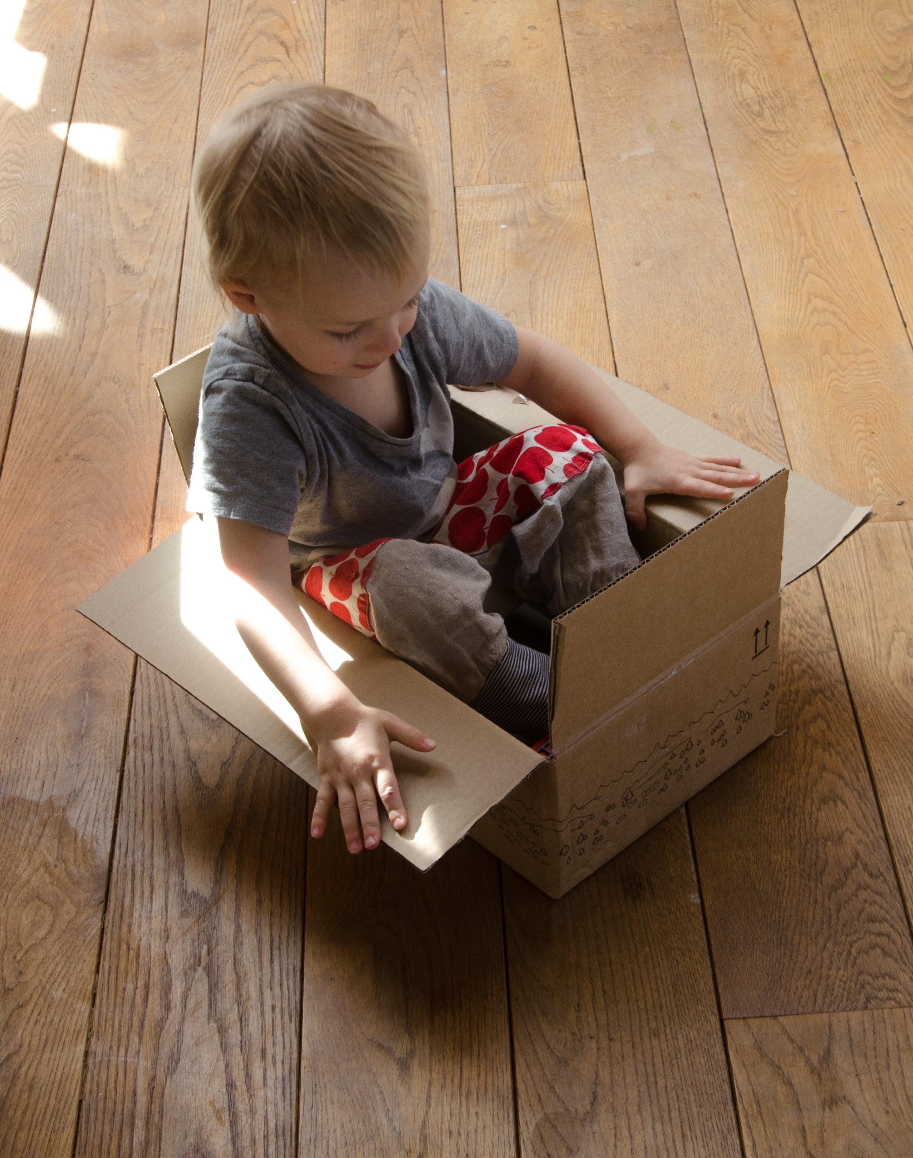papphaus basteln simple schleich und playmobil holz haus bauen avec anleitung haus basteln et. Black Bedroom Furniture Sets. Home Design Ideas