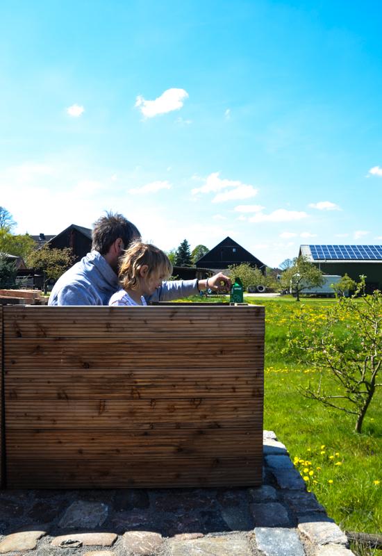 Gartengeräte für Kinder, Gärtnern mit Kindern, Hochbeet anlegen,