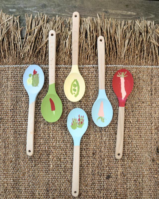 basteln mit Kindern, Holzlöffel, Gartenschilder bemalen