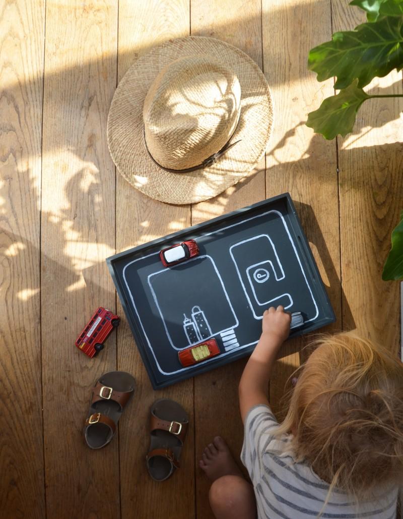 Kinderspielzeug selbst machen, Beschäftigungstablett,