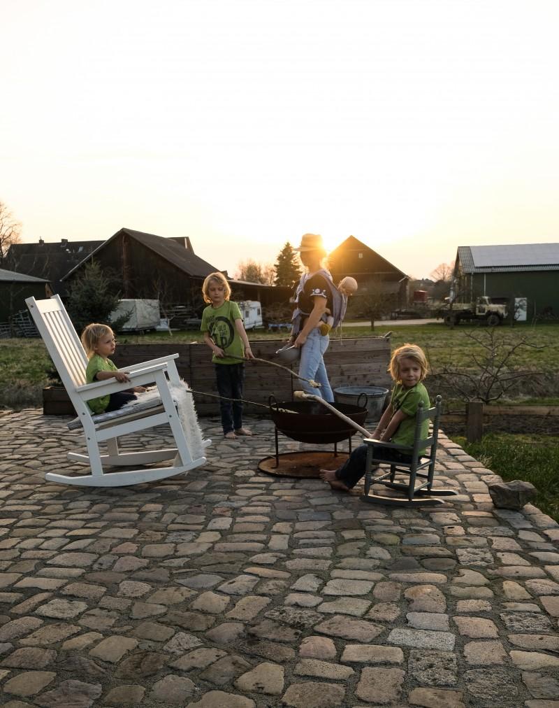 Leben mit KIndern auf dem Land, Lagerfeuer, Stockbrot