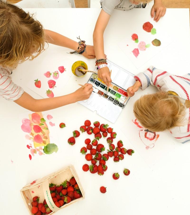 Erdbeerzeit, Malen mit Kindern