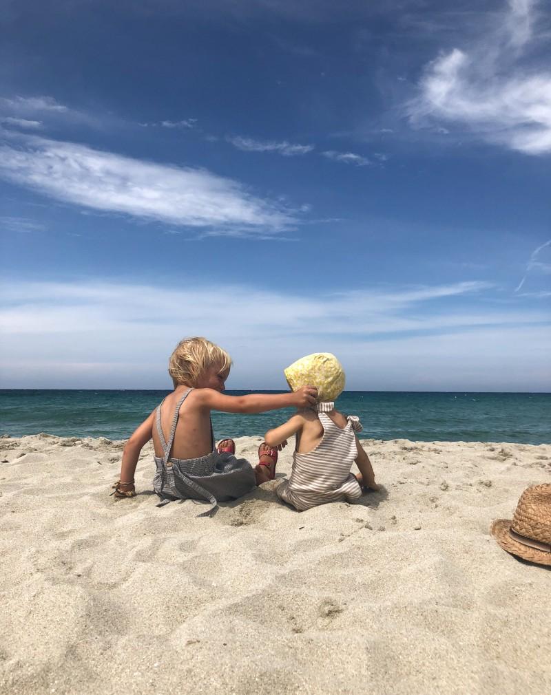 Korsika, Brüder, Jungsmama