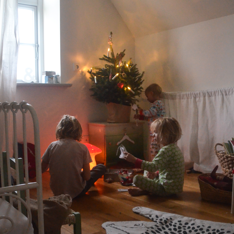Weihnachtsdeko Tannenbaum Im Kinderzimmer Wasfurmich