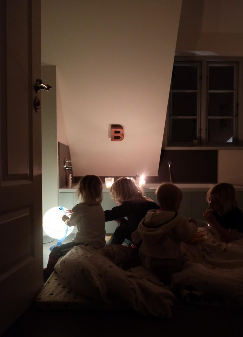 Familienleben, Rituale, Radio, Mitternachtsparty