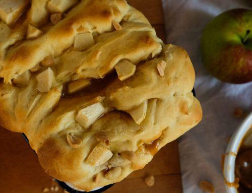 Das supersaftigste, köstlichknautschigste und karamelligste Apfel-Zupfbrot